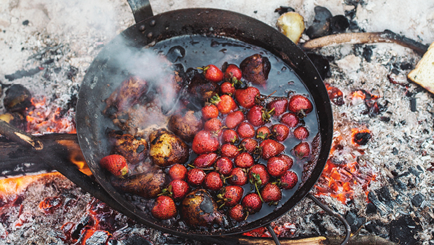 Strawberries and pears on campfire