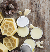 Make your own beeswax lip balm
