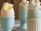 Lemon curd and meringue eggs